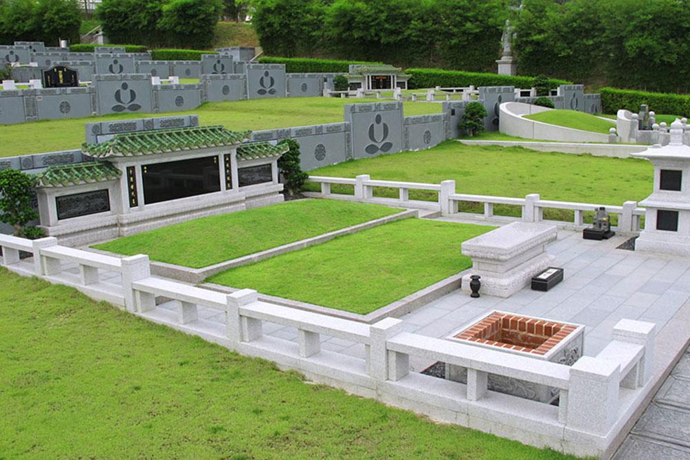 Standard Family Burial Plot