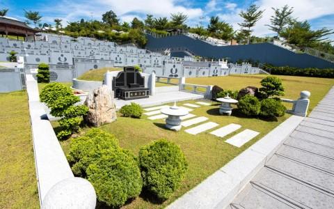 Family Burial Plot 3